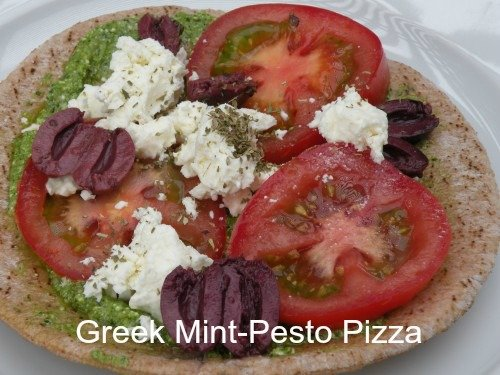 Post image for Fast and Easy Greek Pita Pizzas