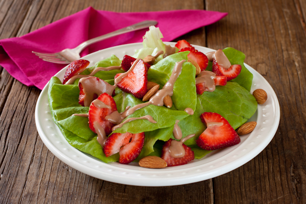 Post image for Strawberry-almond salad with balsamic dressing @RecipeRenovator