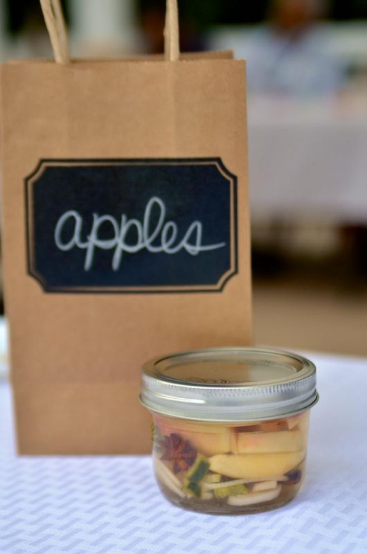 Post image for Pickled Spiced Apples