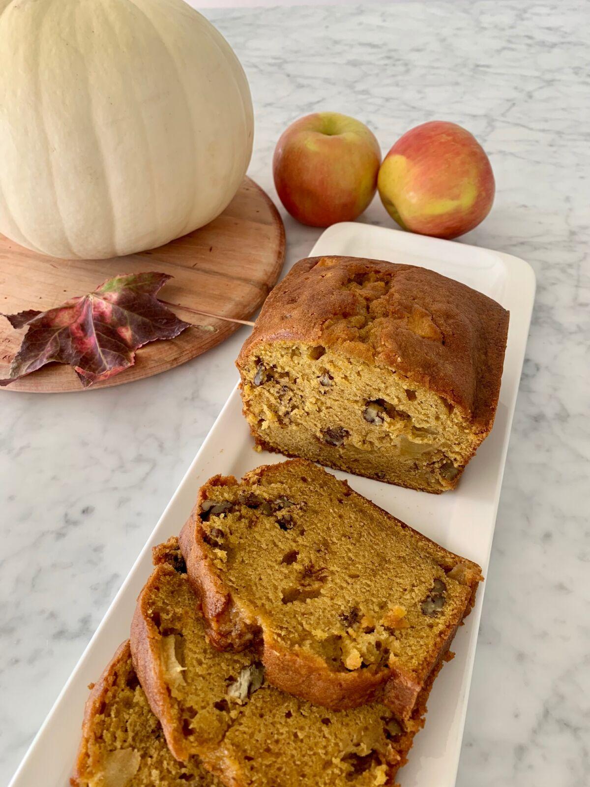 Post image for Honeycrisp Apple Pumpkin Bread